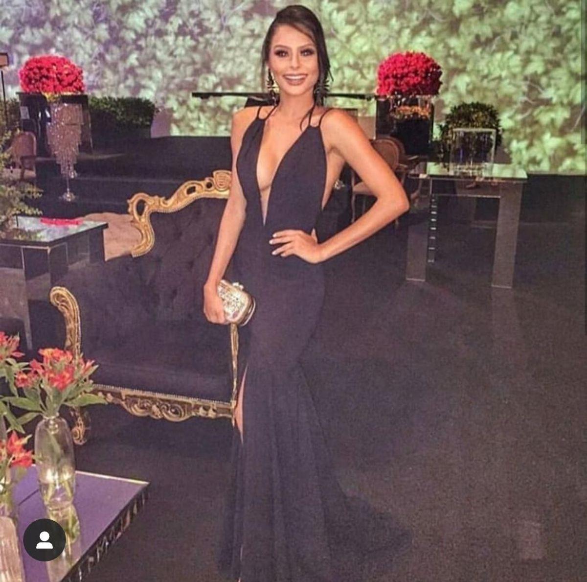 789bfdb90 vestido de festa agilita longo preto com fenda e decote formatura e  convidada de casamento -