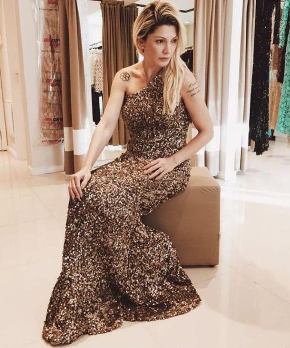 6ee832f3a vestido de festa longo dourado bordado paetês madrinha formanda convidada  de casamento - casamento sob medida