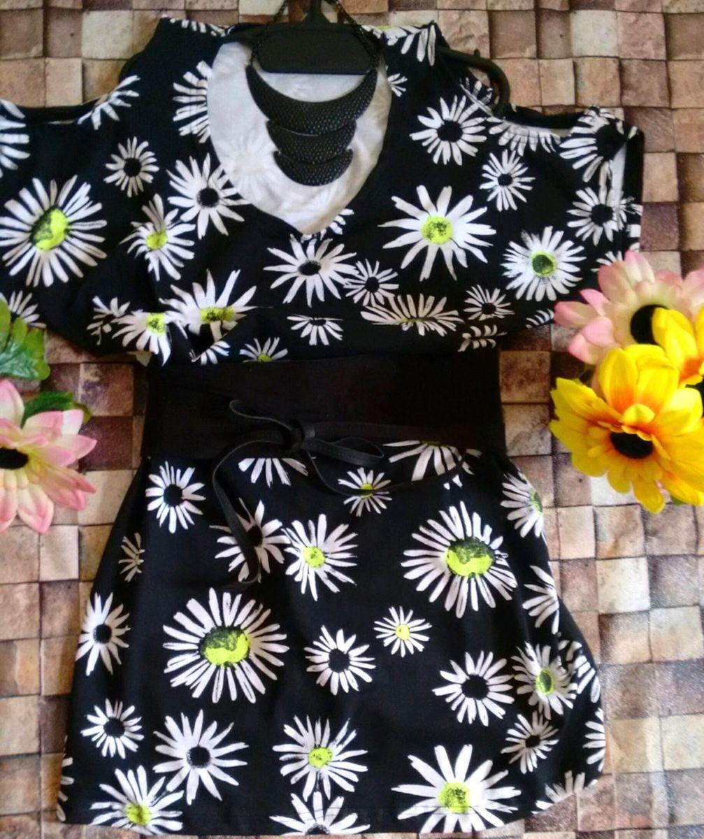 7b92b534c vestido de malha radiosa pmg leva um turbante colorido de malha .. -  vestidos sem