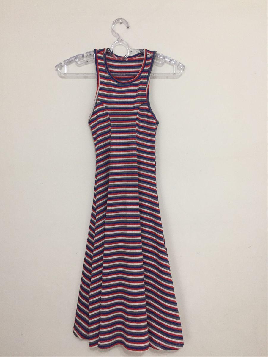 6878887a5a vestido longo listrado - vestidos renner.  Czm6ly9wag90b3muzw5qb2vplmnvbs5ici9wcm9kdwn0cy85nja1mtyzlzczn2iwyzzjnmu1zwrhmdu0njm2y2y1yta2oda4zje5lmpwzw