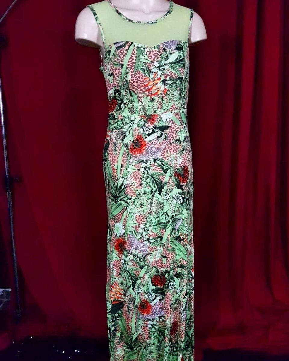 e3064a7c87 vestido longo verde estampado - vestidos invait.  Czm6ly9wag90b3muzw5qb2vplmnvbs5ici9wcm9kdwn0cy81mda0nteylzq0ztazmdgxodnjy2i1mjvhngy3zddlmgmxogzmm2m2lmpwzw