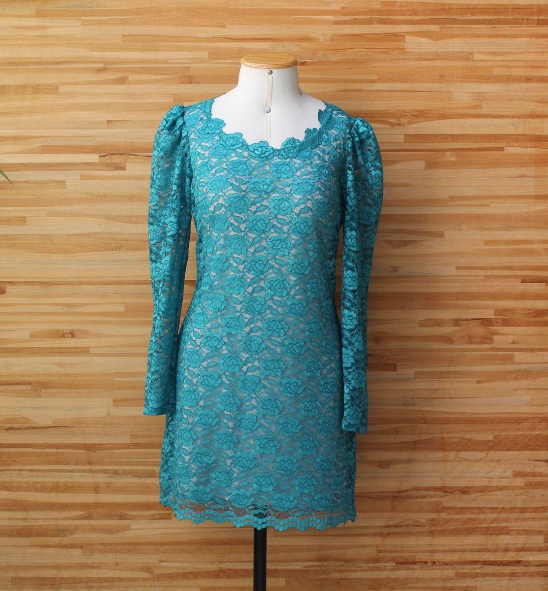 Vestido azul piscina renda